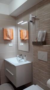 bagno camera multipla rinnovata2